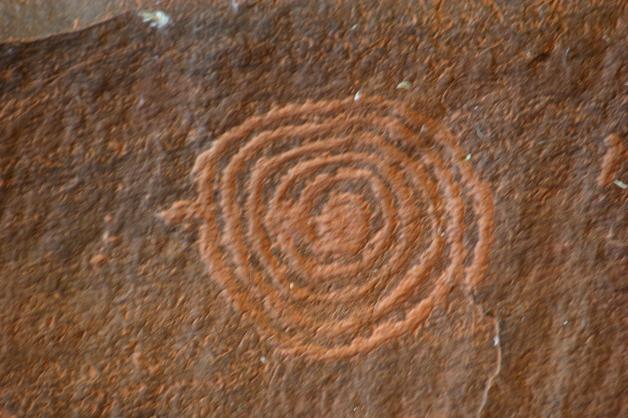 spiral petroglyph, rock carving, V-V ranch, Arizona