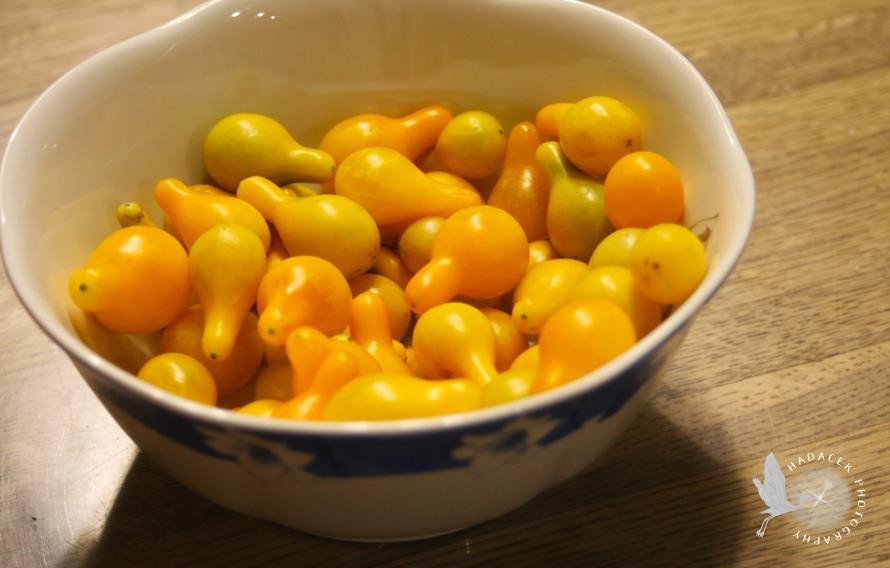 yellow cherry tomatoes, homegrown tomatoes